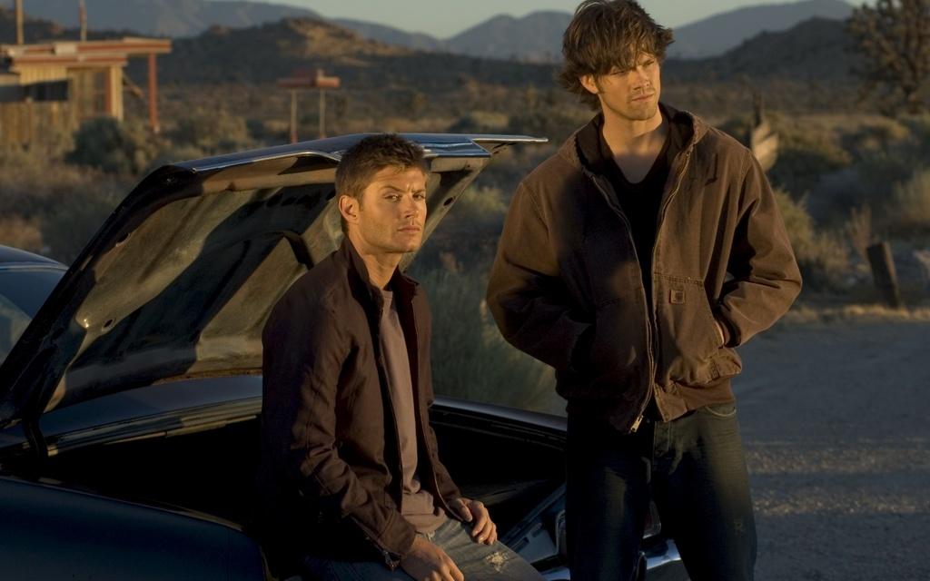 supernatural-dean-sam-chevrolet-impala-dean-sam-winchester-boys-supernatural